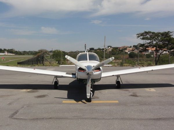 PIPER TURBO ARROW III CAUDA BAIXA