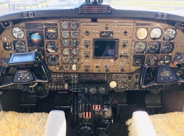 KING AIR F-90 1982