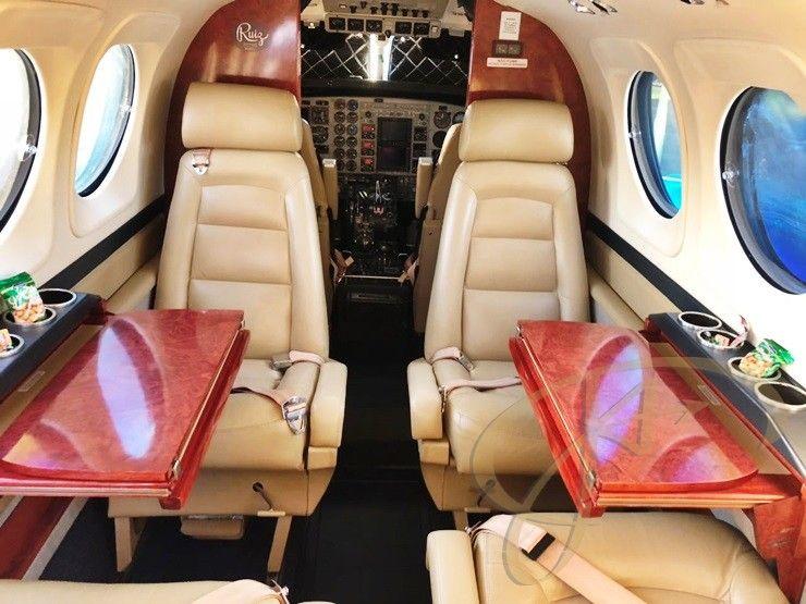 KING AIR C90B ANO 2001