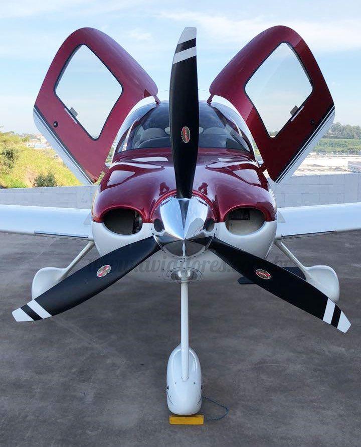 CIRRUS SR22 GTS 2010