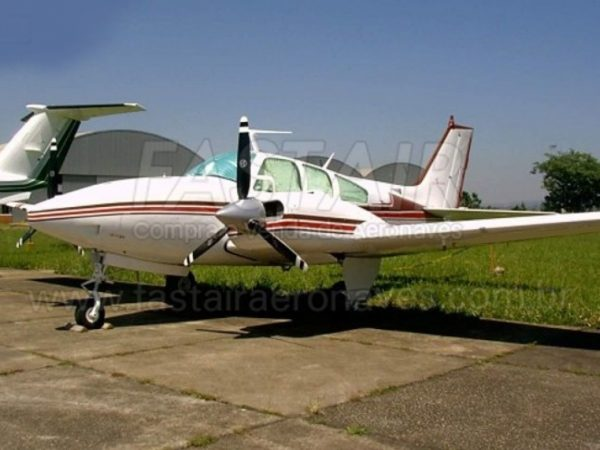 Beechcraft Baron D55 1969 (285 hp)