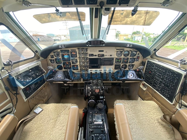BEECHCRAFT KING AIR F90 | Ano 1981